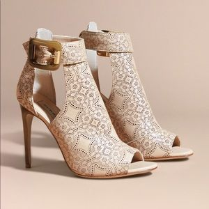 Burberry laser-cut lace ankle boots size 37